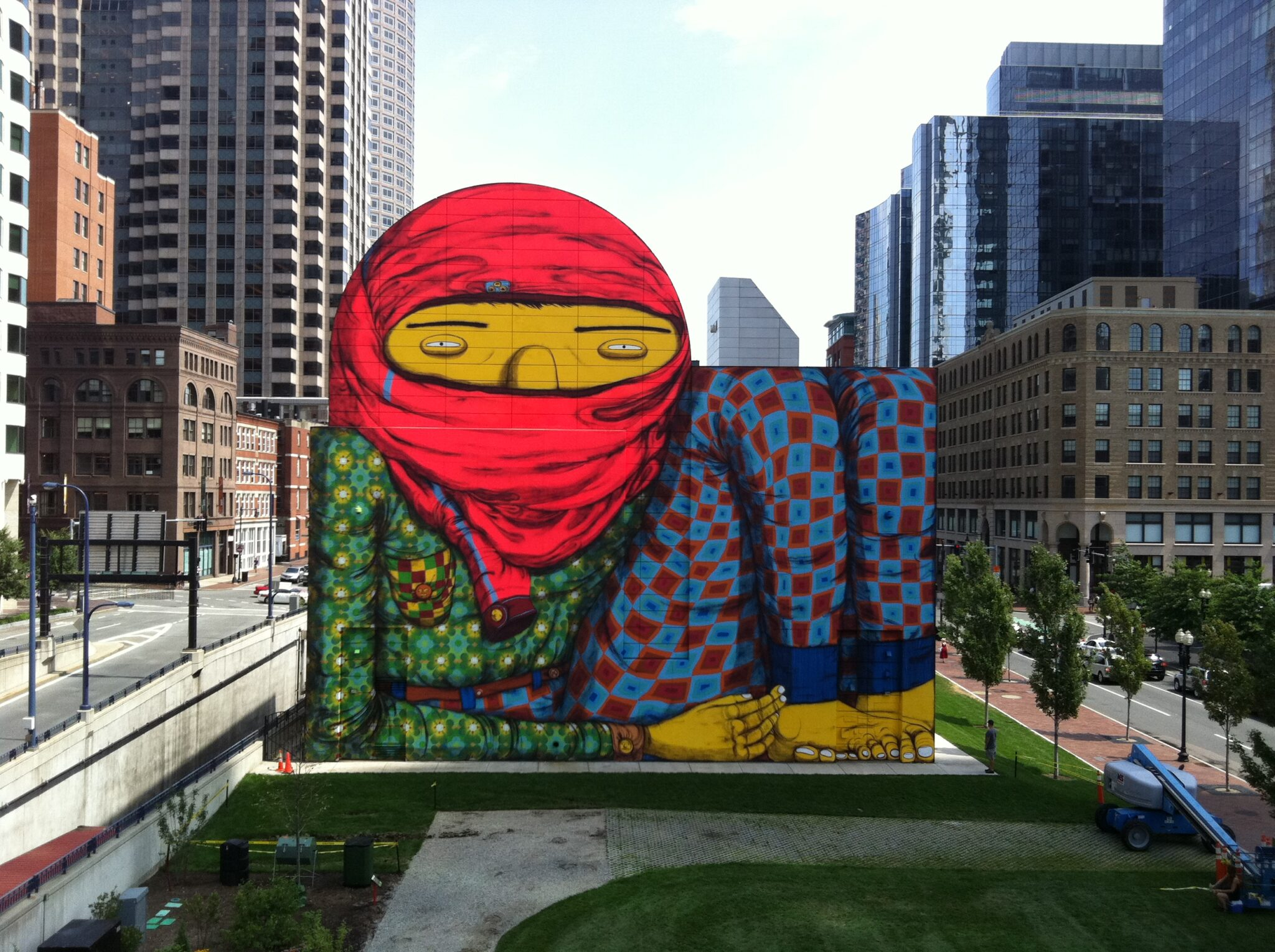 IMAGE 06 OSGEMEOS Giant Boston 2012