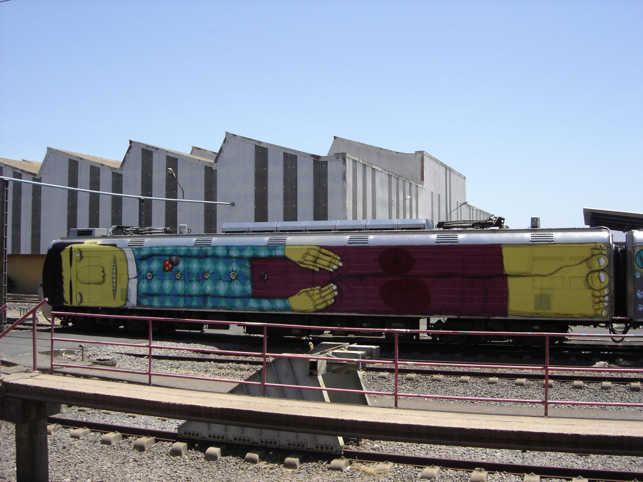 IMAGE 11 OSGEMEOS Wholetrain 2005