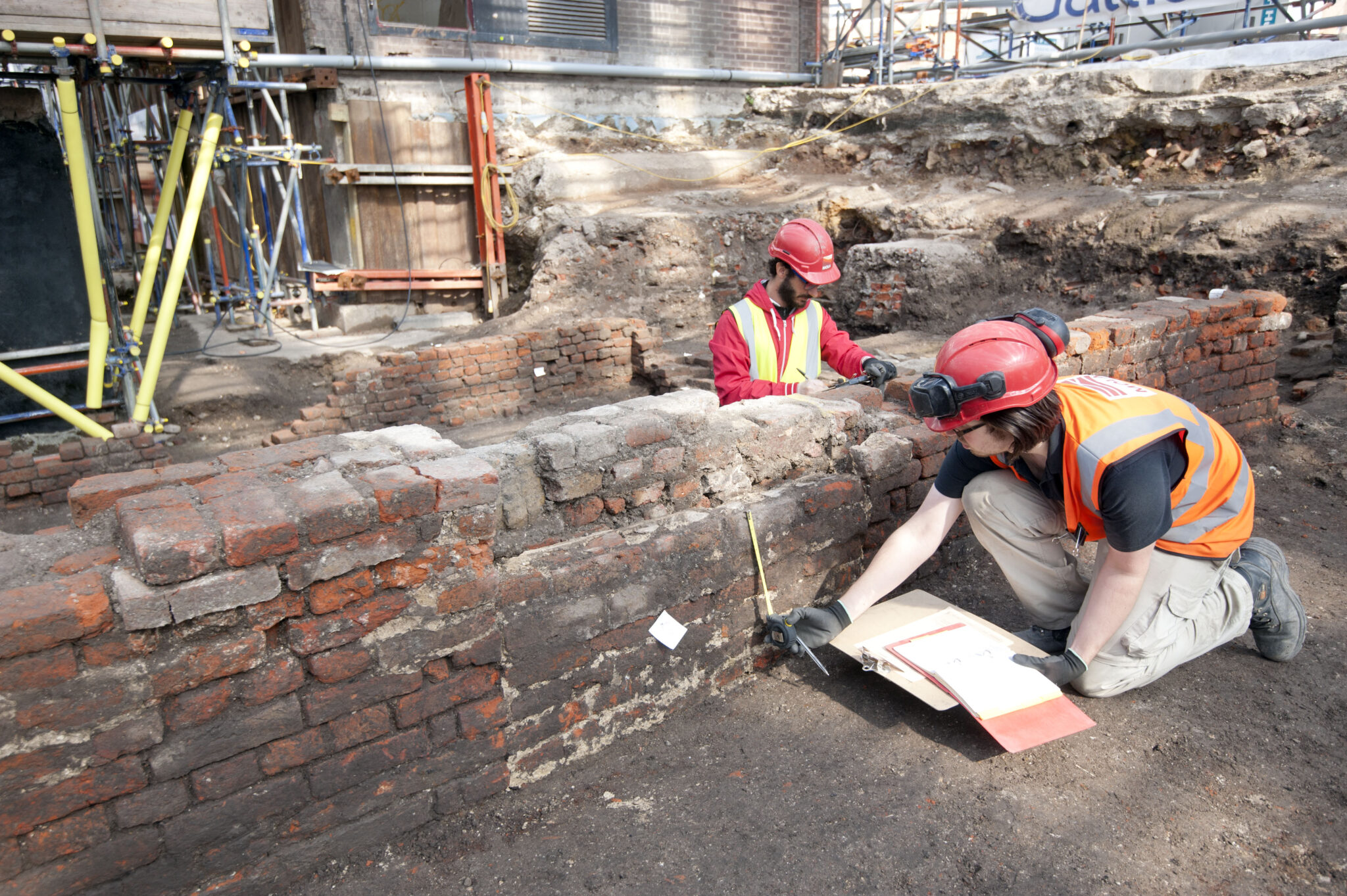 Archaeologist uncover remains of curtain theatre