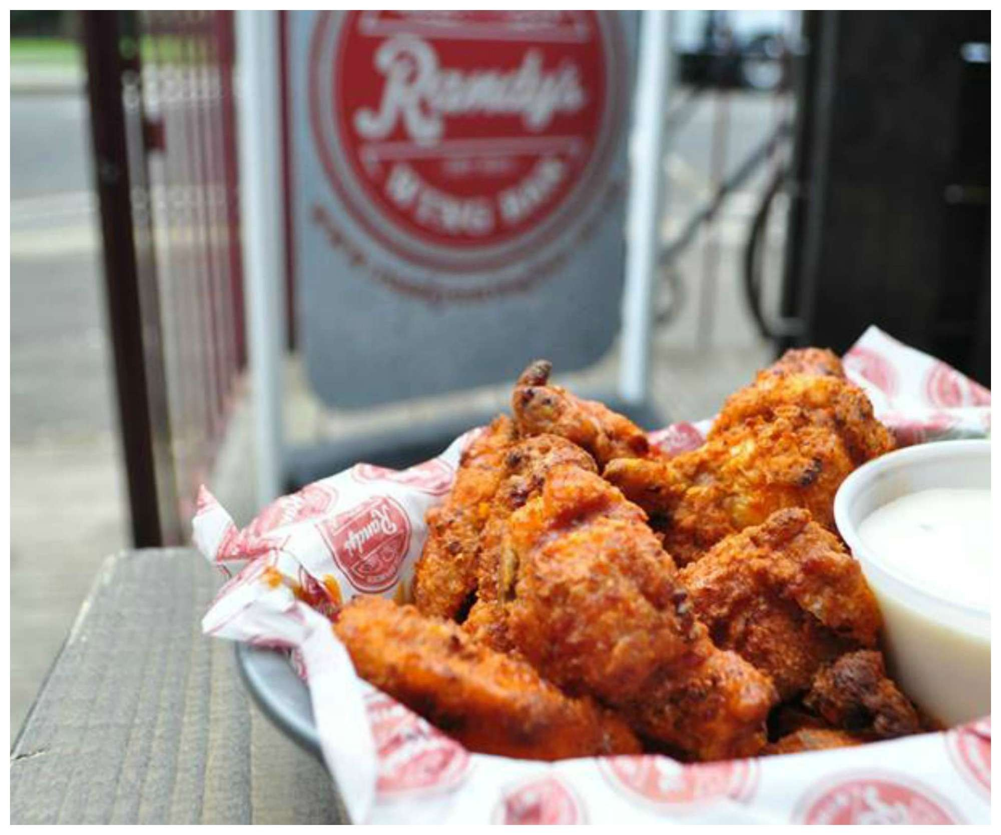 1437661557_Randys Wing Bar Best Chicken Wings in London