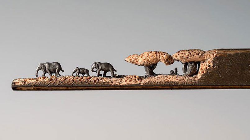 artist-carves-an-entire-herd-of-elephants-onto-a-pencil6-2-805x453