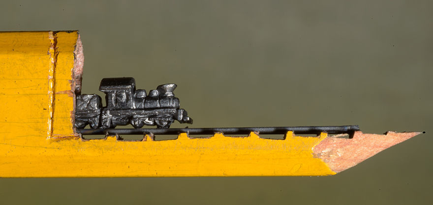 i-found-a-carpenter-pencil-in-the-shop-and-turned-it-into-a-train-2__880