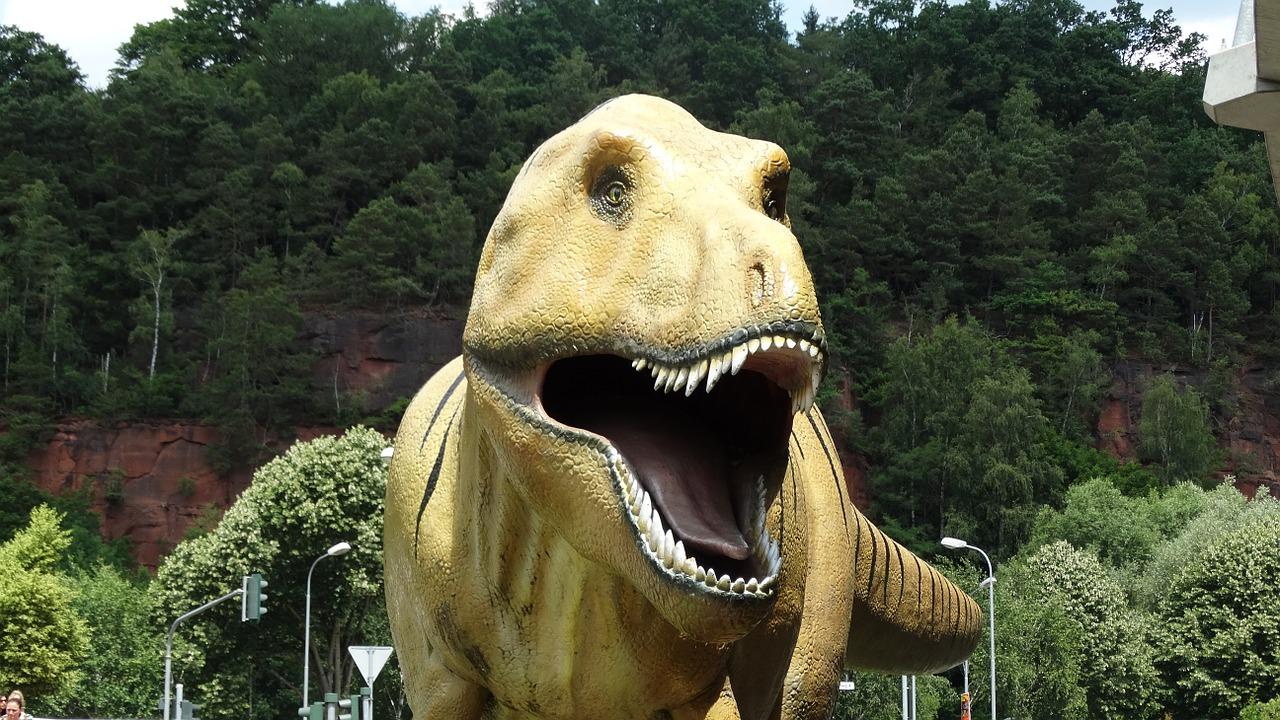 dinosaur-823643_1280