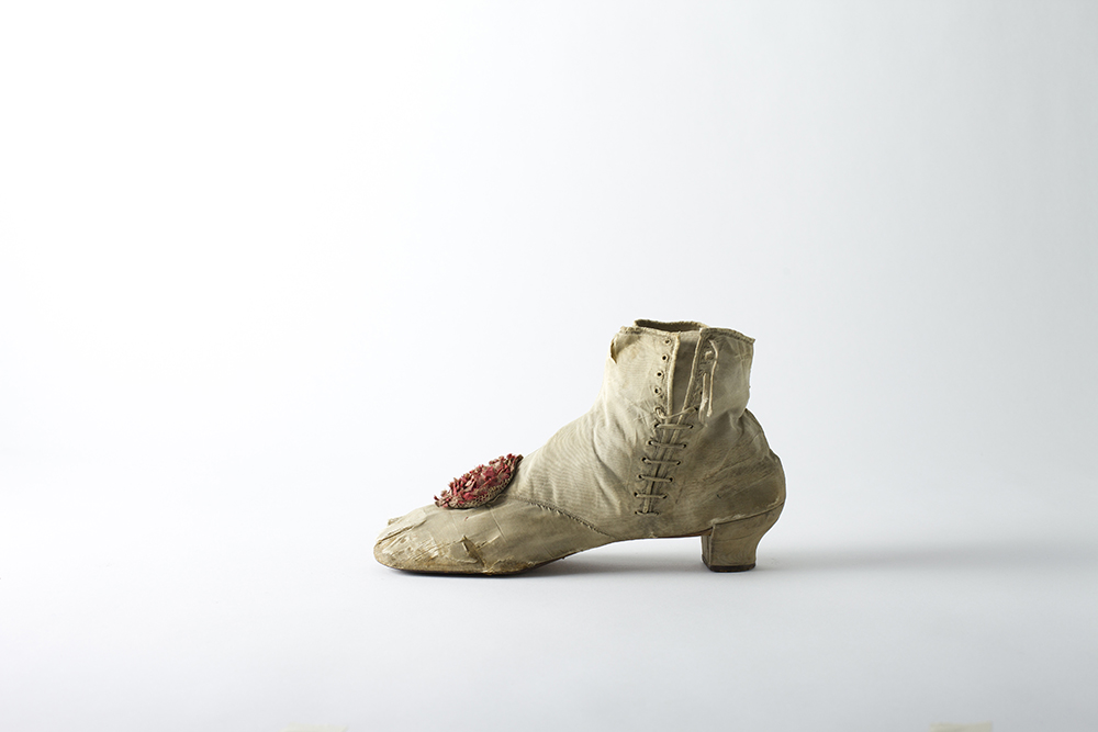 Footnotes: Intimate Stories of Shoes